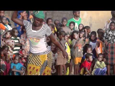 MLI029 Mali dance 1