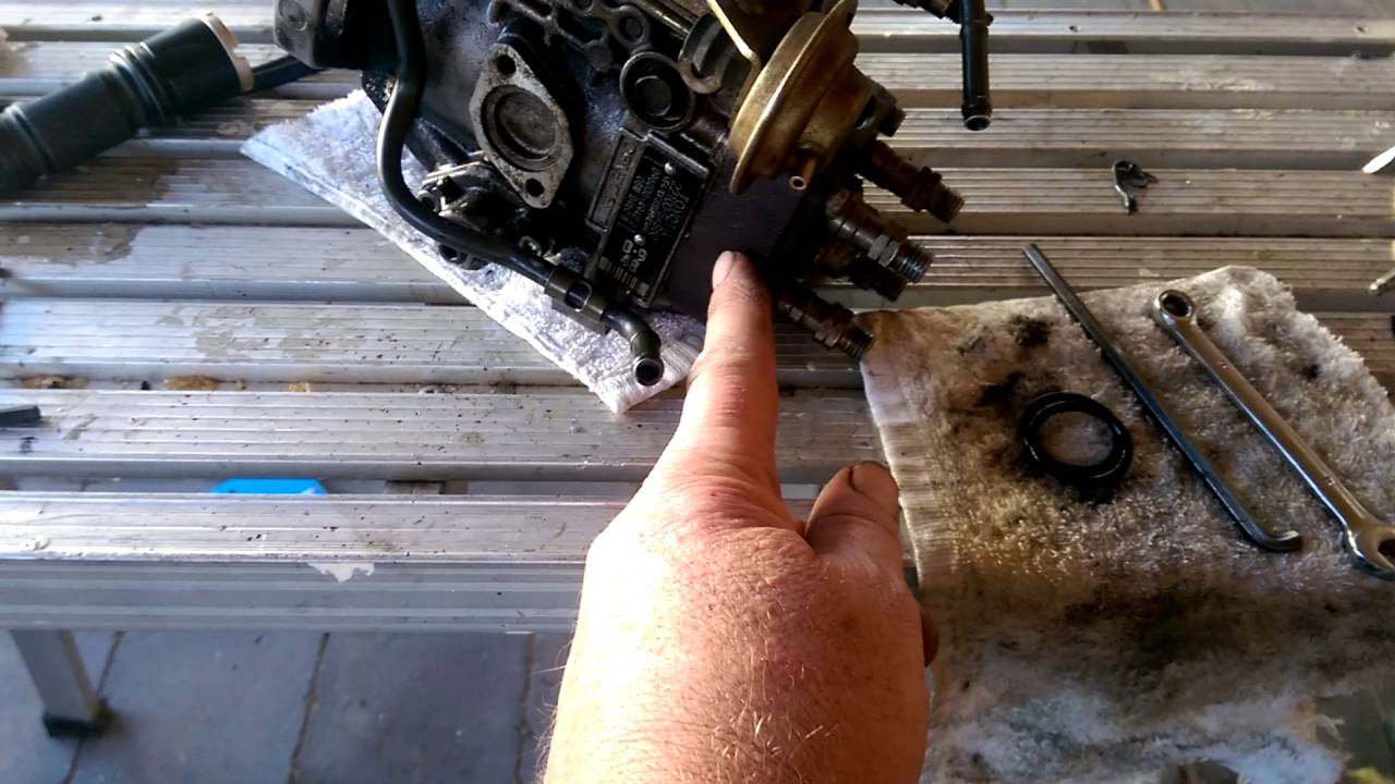 Leaking injector pump fix, 24 & 28 diesel Hilux  YouTube