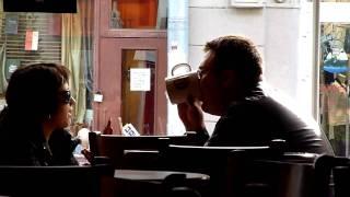в кафе(, 2010-09-26T10:14:55.000Z)