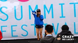Former AKB48 member Tomomi Itano (板野友美) performing Girls Do dur...