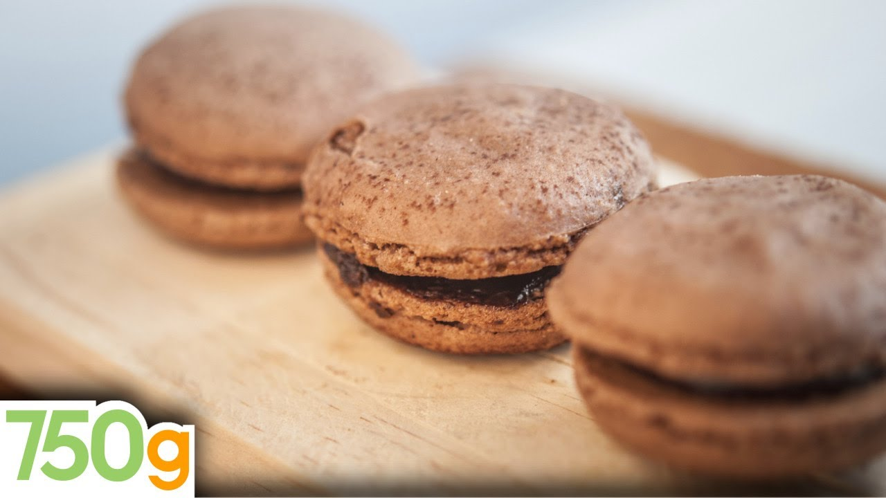 Recette De Macarons Au Chocolat 750g Youtube