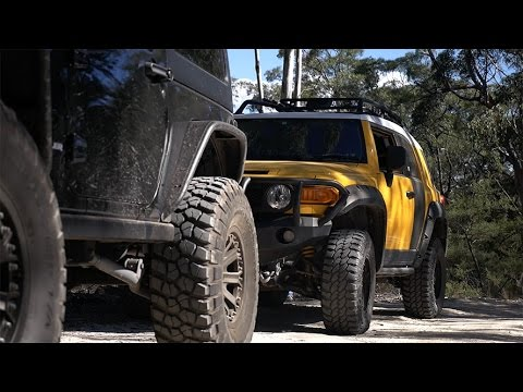 fj cruiser on 33 39 s vs jeep wrangler on 37 39 s youtube. Black Bedroom Furniture Sets. Home Design Ideas