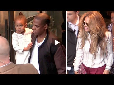 Pregnant Beyonce, Jay Z and baby Ivy Blue go to the restaurant in Paris