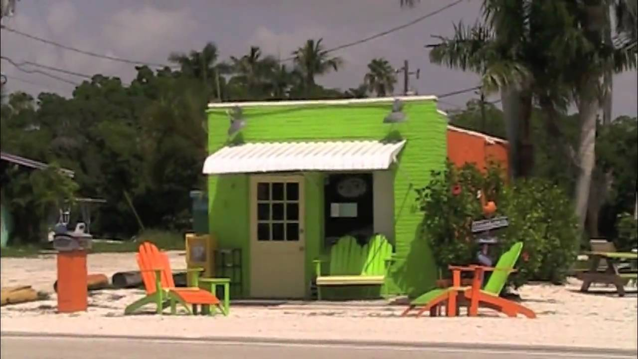 Funky and Tiny Houses Campers Houseboats in Matlacha Florida