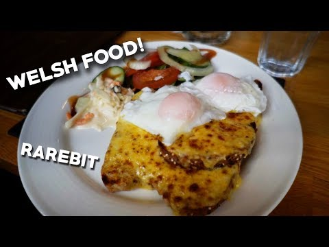 WELSH FOOD! - Trying Rarebit! - Conwy, Wales