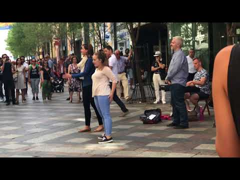 MADRID FAMOUS OPERA SINGERS ON THE STREET