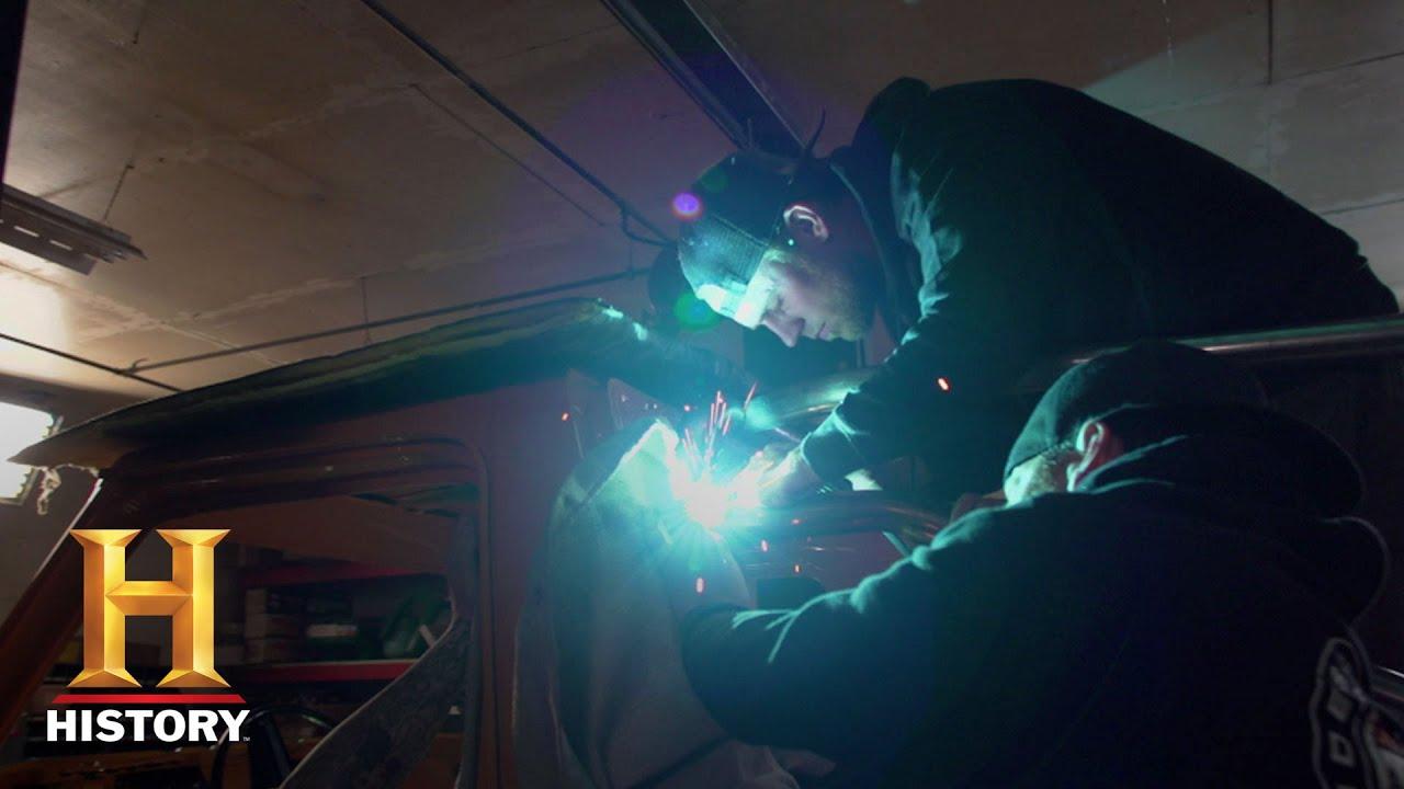Download Detroit Steel: Bonus - Meet the Mobsteel Team   History