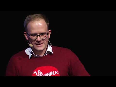 Есть ли жизнь за МКАДом? | Василий Дубейковский | TEDxNovosibirsk