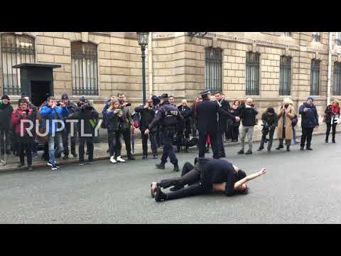 France: Topless FEMEN Activists Protest Against Putin In Paris *EXPLICIT*