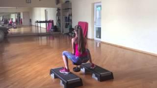 Cute girl doing SUMO SQUATS gym WORKOUT | Симпотяжка присед-сумо