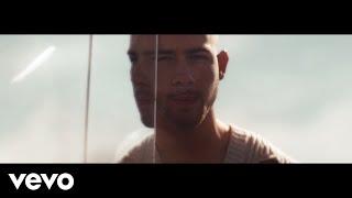 Смотреть клип Nick Jonas - Spaceman