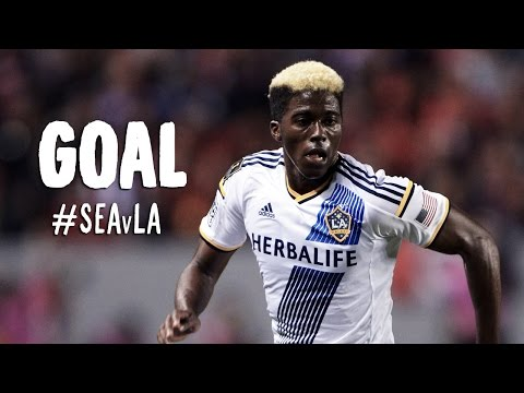 GOAL: Gyasi Zardes finishes off a Donovan set up | Seattle Sounders vs LA Galaxy - Major League Soccer  - V3cg-fKl1rM -