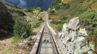 ジェットコースターかよ!ヨーロッパで2番目に急こう配の「ゲルマーバーン」を走るケーブルカー(スイス)