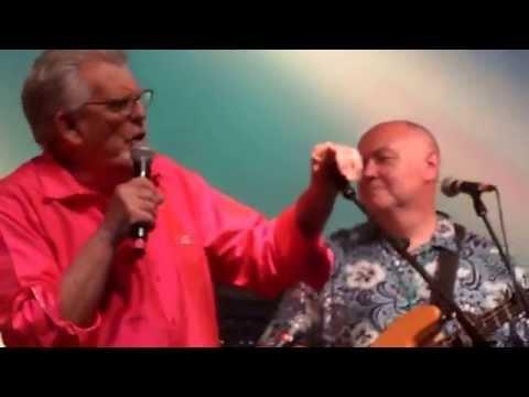 Rolf Harris-Wickham Festival 2013 'Two Little Boys'