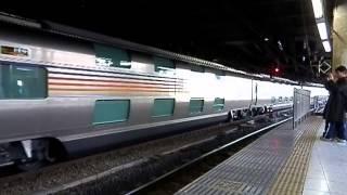 上野駅13番線に推進入線するカシオペア。 2015/02/01撮影.