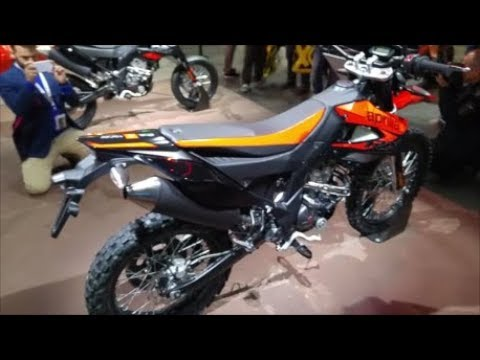 aprilia rx 125 e sx 125 eicma 2017 youtube. Black Bedroom Furniture Sets. Home Design Ideas