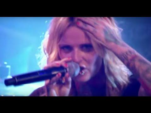 "Jennifer Rostock feat. Sido:  ""Du willst mir an die Wäsche"" (Live in Berlin)"