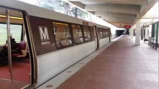 Metro Red line arriving and departing White Flint, MD