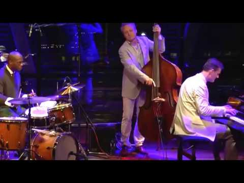 Gregory Hutchinson Solo Blues-Jazz Drumming