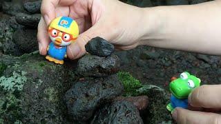 뽀로로가 숲속에서 친구들 과 돌탑 쌓기 놀이를 해요! 장난감 Pororo Friends Building a Play in the Woods! Toys игрушка 라임튜브