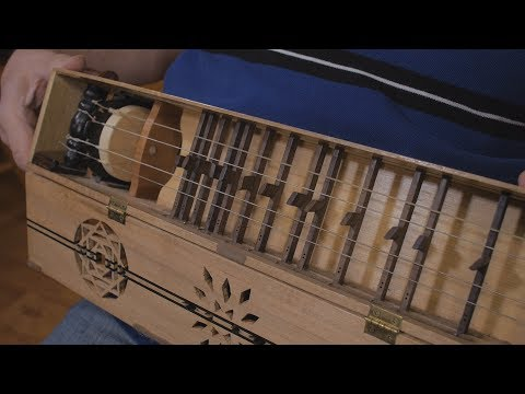 Symphonia Demonstration (Medieval Musical Instrument)