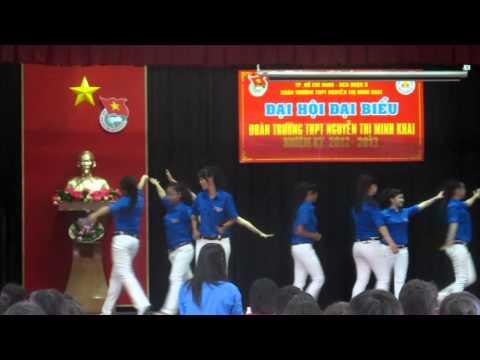 Múa Mãi là người thanh niên Việt Nam - ĐH Đoàn trường Minh Khai NK 2012-2013.MOV