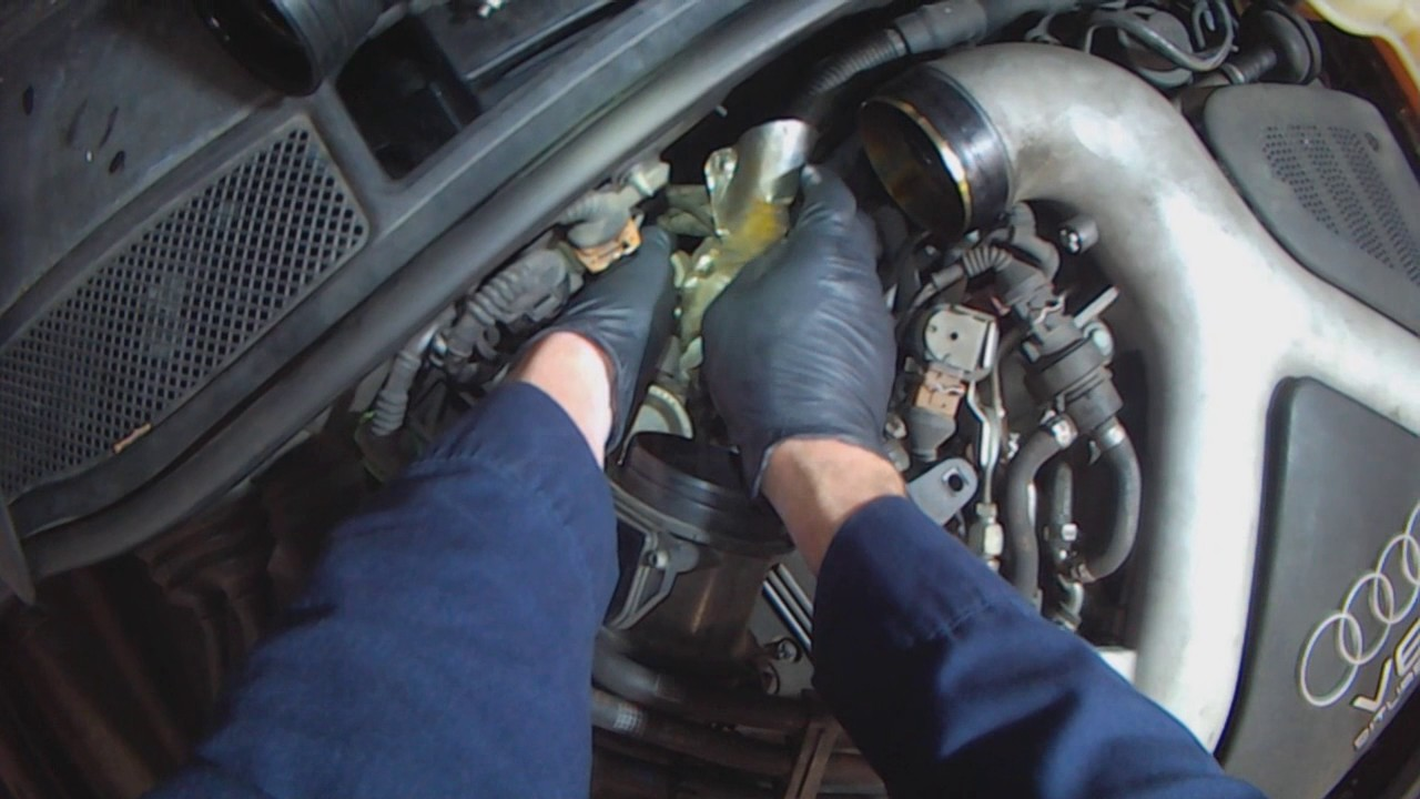 Audi C5: 2 7LT A6 Coolant temperature sensor replacement