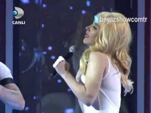 [HQ] Hande Yener - Hasta, Beyaz Show! 2013!