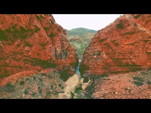American traveling Australia.