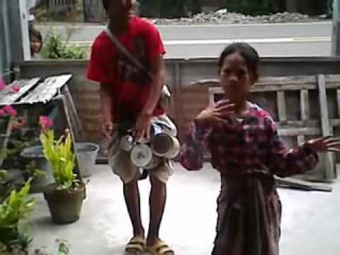 Badjao Tribal Dance and Drummer