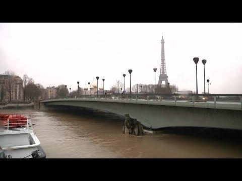 River Seine in Paris threatens to overflow, flood alert remains