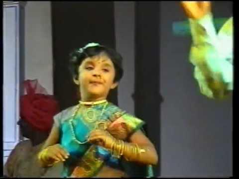 निर्मिती ताईच इंग्रजी | Nirmiti Sawant | Jau Bai Jorat | Marathi Comedy Natak from YouTube · Duration:  7 minutes 40 seconds