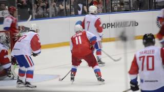 Владимир Владимирович Путин забивает гол. Гала-матч НХЛ 2017