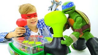 Игры с Леонардо. Распаковка ГИГАНТСКИХ черепашек ниндзя