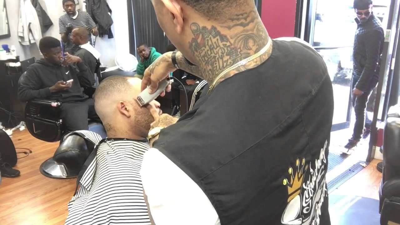 Barber Line Up : Skin Fade Haircut With beard Line Up by sneed the barber - YouTube