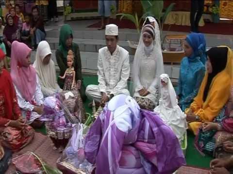 Perkawinan : bakawinan adat banjar ba usung jinggung
