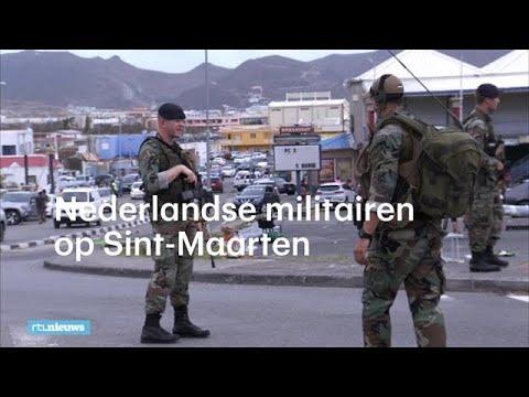 Nederlandse militairen patrouilleren op Sint-Maarten