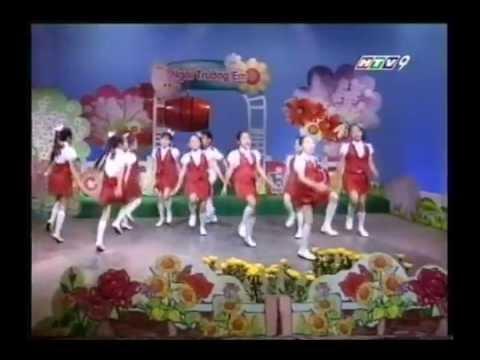 Ca mua Tieng trong truong em (be Thuy Linh va Top ca)