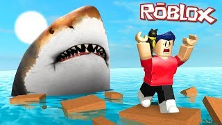 WIR SIND ESCAPING THE FAT SHARK IN ROBLOXIN!