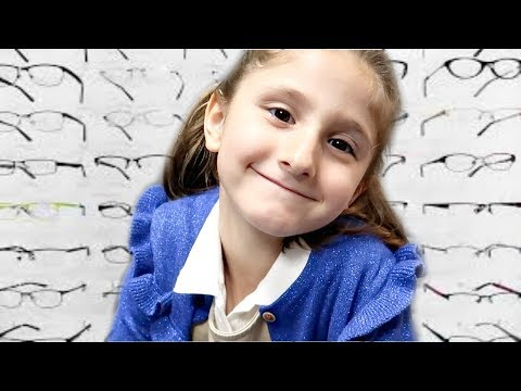 Emma's Eye Appointment || Does She Need Glasses?