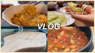 vlog | 전복손질해서 전복라면 끓여먹는 신혼집밥일상…