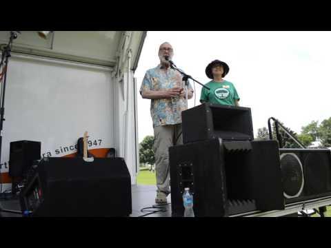 Mayor of Aurora Tom Weisner and Congressman Bill Foster share appreciation for Aurora GreenFest 2015