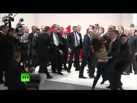 Нападения на Путина(Реакция охраны порадовала)