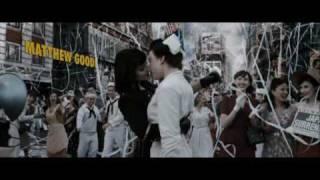 Поцелуй в начале фильма Хранители.avi