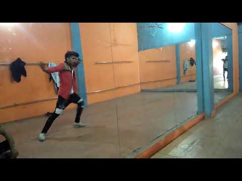 O Ladki Jo Sabse Alag Hai Bollywood Dance Style Choreographer Laxman Dancer