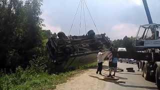 ДТП грузовика Мерседес(05/07/2013 в п.Зенино, Люберецкого р-на водитель грузовика не справился управлением в результате чего попал..., 2013-07-09T08:44:37.000Z)