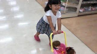 メルちゃんベビーカーでお買いもの☆レミンちゃん&ソランちゃんに新しい服を買ってあげよう!