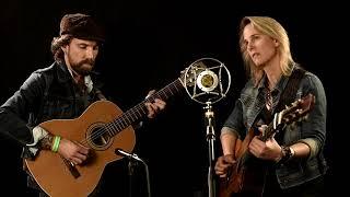 "Lynne Hanson - ""Hemingway's Songbird"""
