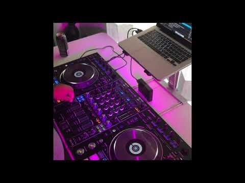 DJ Kometa @La Gozadera Radio show 107.1 FM los angeles La Suavecita