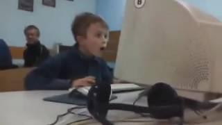 Мальчик увидел впервые фильм для взрослых)))